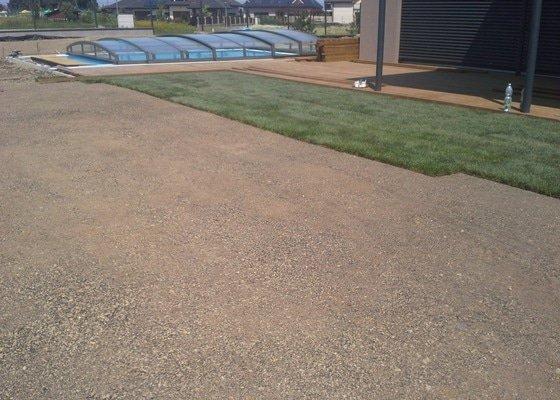 Realizace zahrady, závlahový systém, travní koberec
