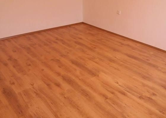 Pokládka laminátové podlahy 16m2