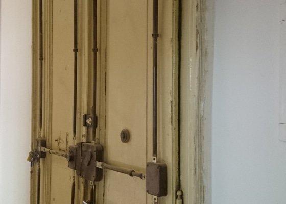 Očalounění dvoukřídlých dveří Praha 1