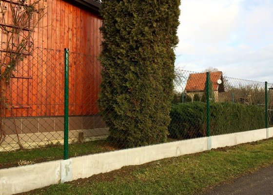 Rekonstrukce drátěného plotu