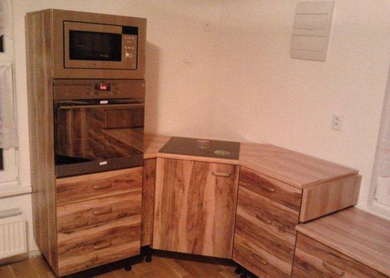 Výroba kuchyňské linky Jabloň Plateau
