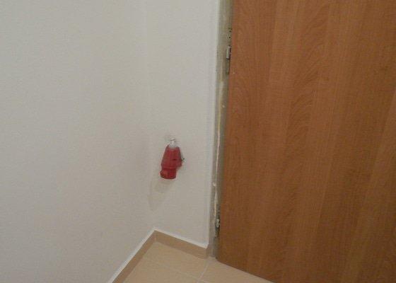 Štukování (70m^2), rekonstrukce bytového jádra v panelovém domě s vyzděním, včetně zařízení stavebního povolení a revizních zpráv