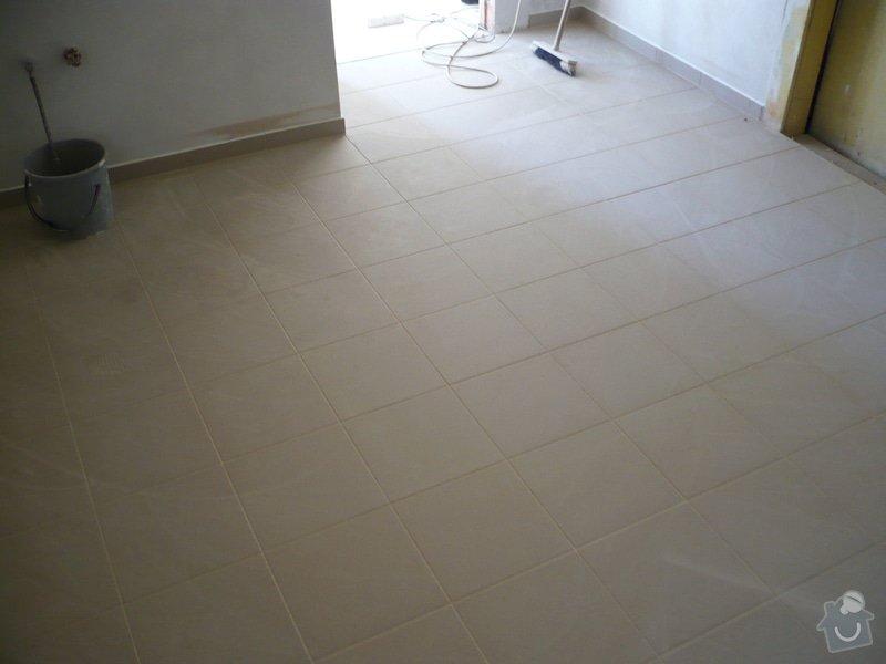 Provedení obkladů koupelna + WC, položení dlažby: P1190474
