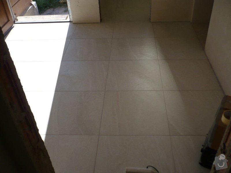 Provedení obkladů koupelna + WC, položení dlažby: P1190475