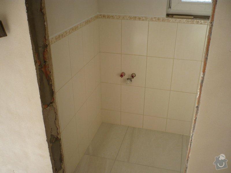 Provedení obkladů koupelna + WC, položení dlažby: P1190478