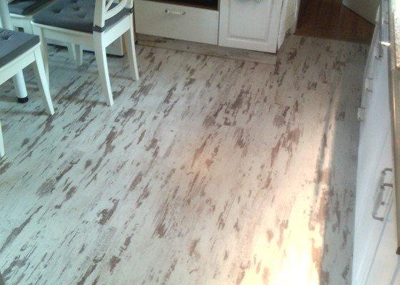 Pokládka laminátové podlahy 20m2