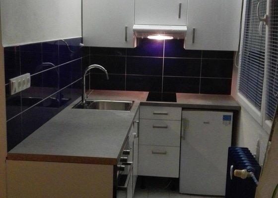 Rekonstrukce koupelny - garsoniera panelový dům