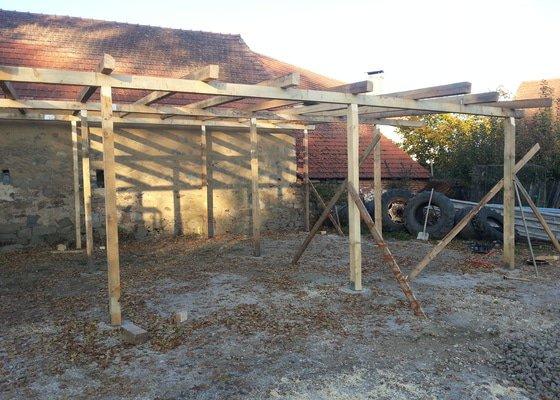 Stavba krytého stání