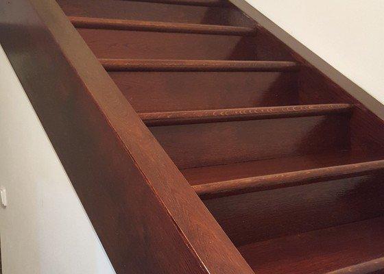 Renovace, obložení dřevěných schodů