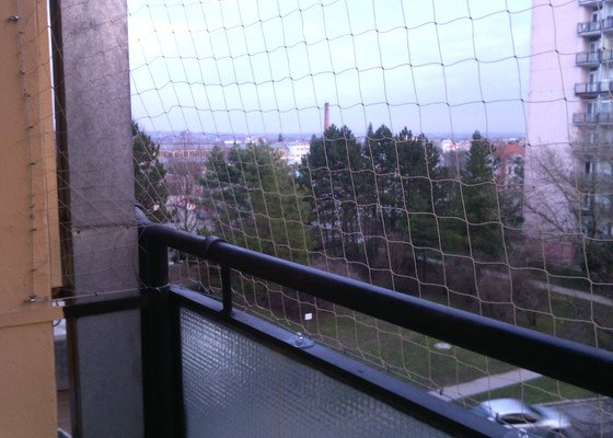 Zasíťování balkónu proti úniku koček