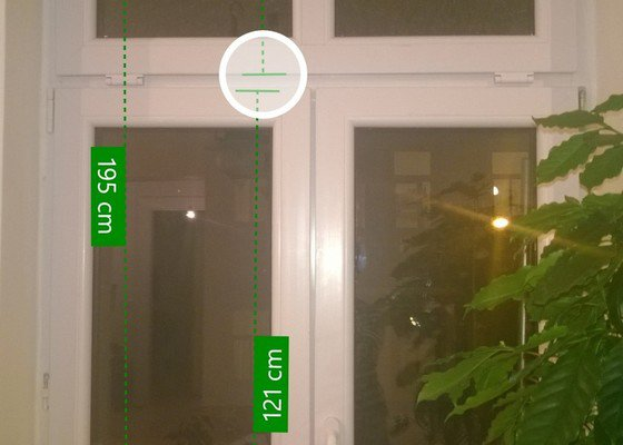 Oprava zaseknutého plastového okna + dodání a instalace držáků na truhlíky