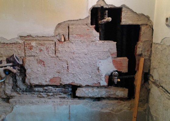 Rekonstrukce koupelny a WC  Brno