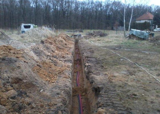 Zemní práce včetně připojení k RD