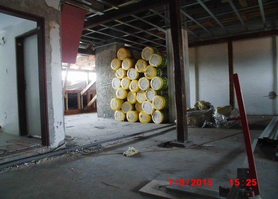 Půdní vestavba dvou bytů