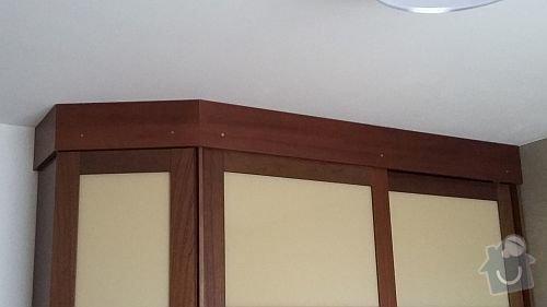 Dýhovaný nábytek do ložnice: nastavec