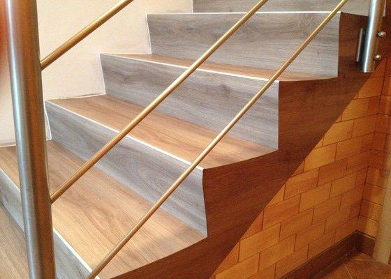 Obložení schodů vinylem