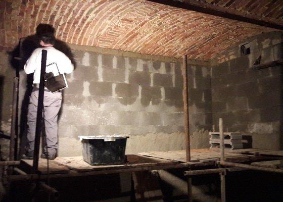 Rekonstrukce a drenáž sklepu