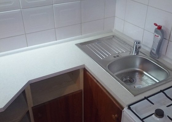 Nová pracovní deska kuchyňské linky