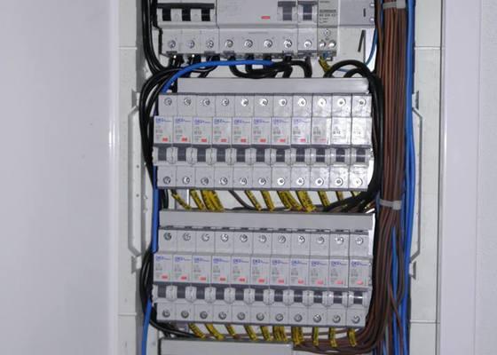 Kompletní výměna elektroinstalace v rodinném domě