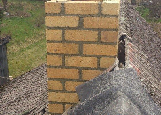 Demolice a stavba komínu chalupy