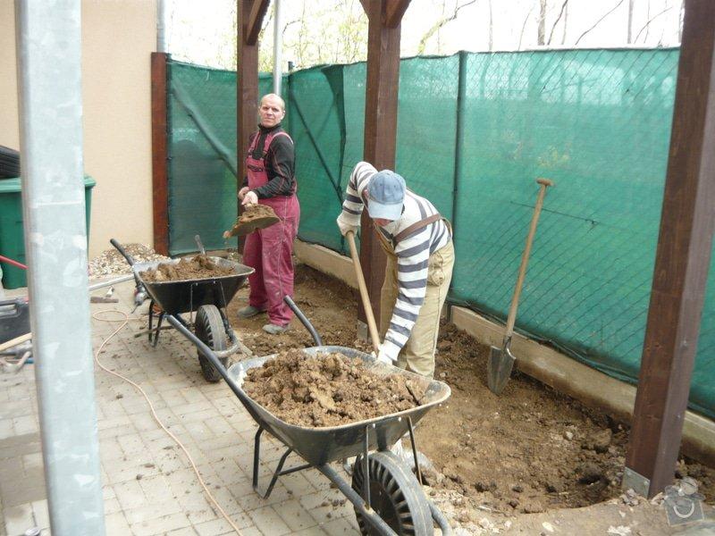 Rozšíření zámkové terasy: P1050045