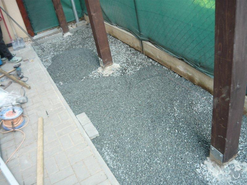 Rozšíření zámkové terasy: P1050048