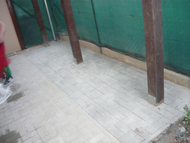 Rozšíření zámkové terasy: P1050050