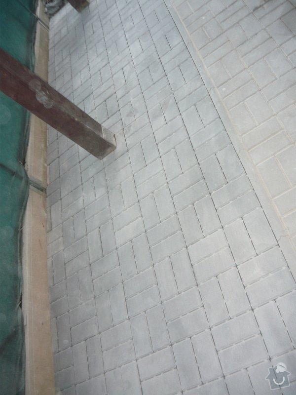 Rozšíření zámkové terasy: P1050051
