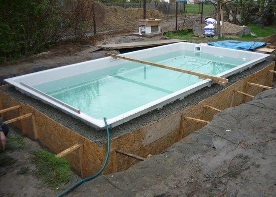 Betonáž bazenu