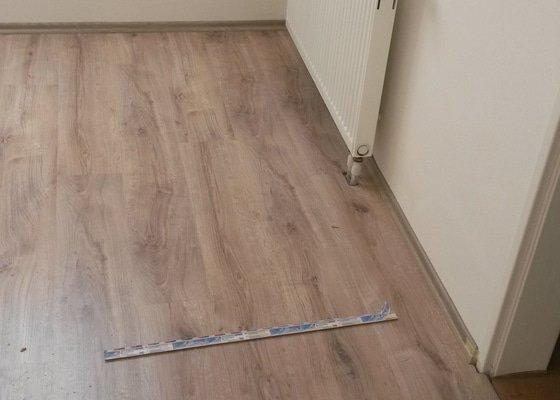 Pokládka plovoucí podlahy laminátové 17 m2
