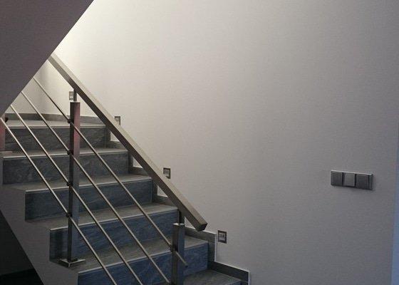 Nerezové interiérové zábradlí
