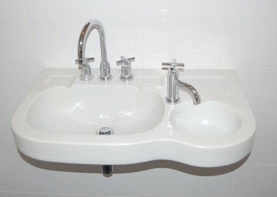 Nové těsnění, silikon v koupelně