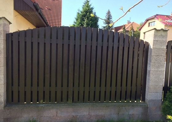 Výměnu plotovek ve stávajícím plotu
