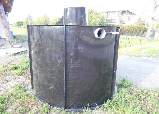 Retenční nádrž na dešťovou vodu + šachta na vodoměr