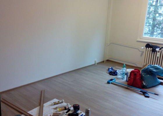Pokládka plovoucí podlahy, bytové omítky