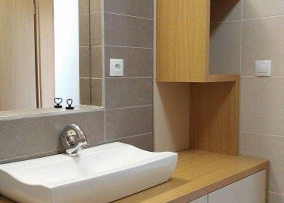 Ložnice, koupelna , vstupní chodba