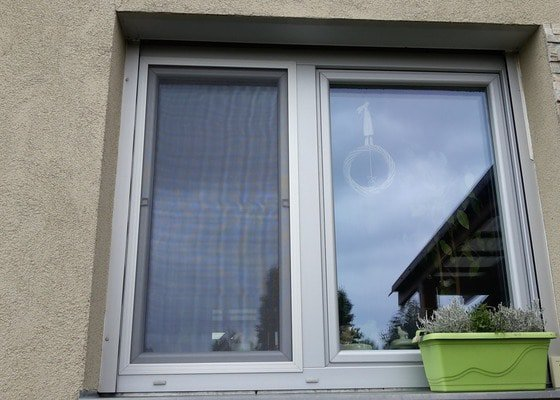 Sítě do oken proti hmyzu+předokenní žaluzie