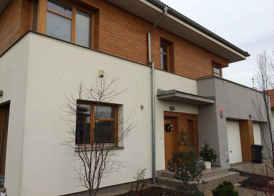 Nátěr dřevěné fasády domu