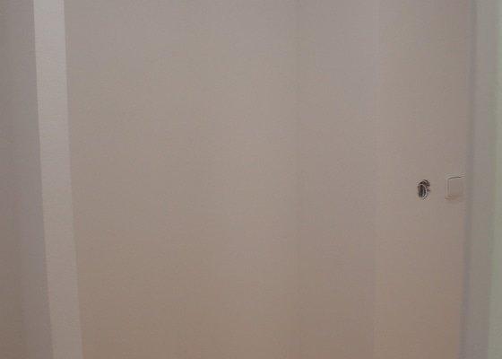 Vestavěná skříň a předsíňová stěna