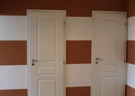 Omítání stěn, natažení perlinkou a drobné zednické práce  4 pokoje + pokladka nove podlahy, vymalovani bytu