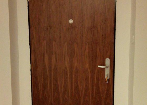 Sádrokartonem zazdít výklenek dveří