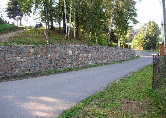 Drátokošová stěna