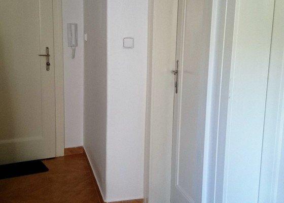 Rekonstrukce bytu 3+1 o velikosti 100 m2.