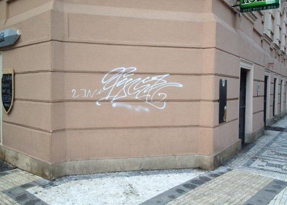 Natření fasády po graffiti