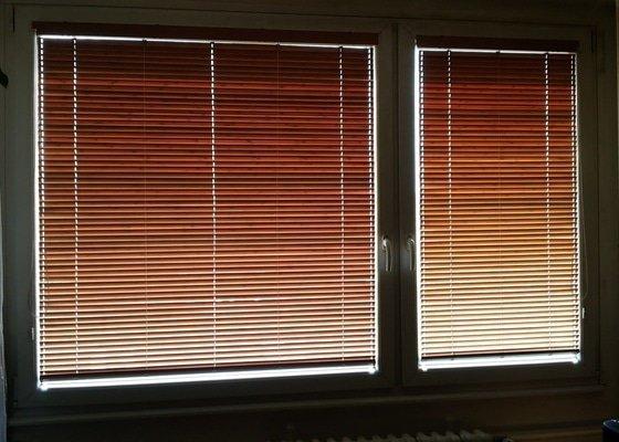 Žaluzie dřevěné vnitřní do oken, lamely 25 mm