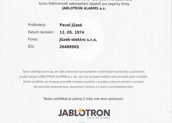 Dodávka a montáž bezdrátového elektronického zabezpečovacího systému JA-100 Jablotron.