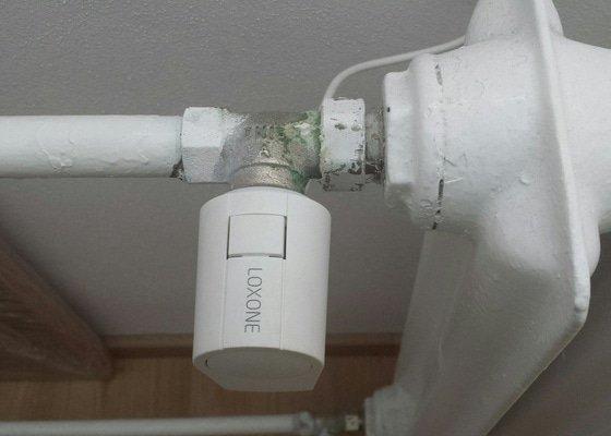 Oprava topení - přetesnění radiátoru, ventil