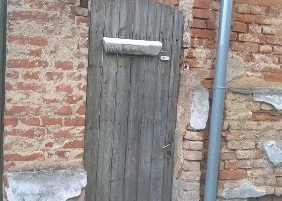 Rekonstrukce vjezdových vrat