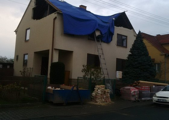 Kompletně nová střecha,včetně nového věnce