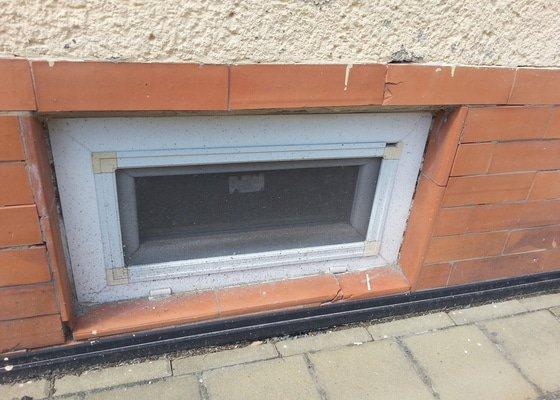Mříž na sklepní okno
